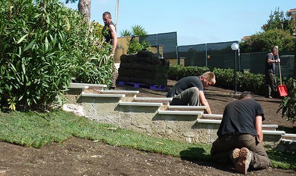 Servizi eco manutenzione del verde verdeidea for Allestimento giardino